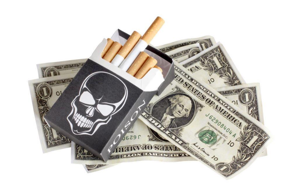 fumer et dépenser de l'argent