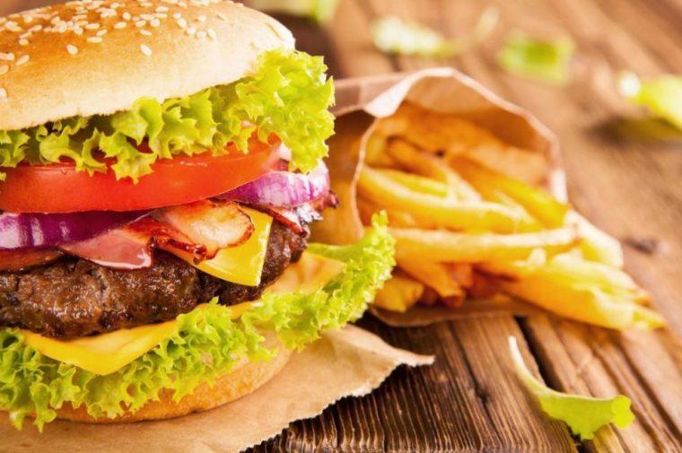 Aliments gras, cause des brûlures d'estomac