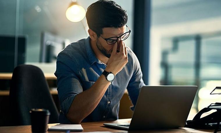 le stress, l'une des causes de la calvitie